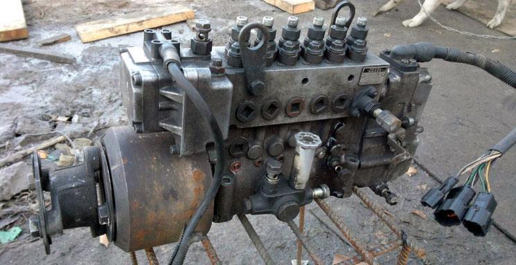 Производим замену рядного-электронного ТНВД на грузовиках Isuzu на рядный механический (предыдущих моделей Isuzu)