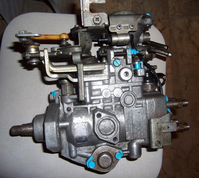 на простой в эксплуатации и дешевый в обслуживании рядный или одноплунжерный (VE) механический ТНВД (предыдущих моделей Toyota)